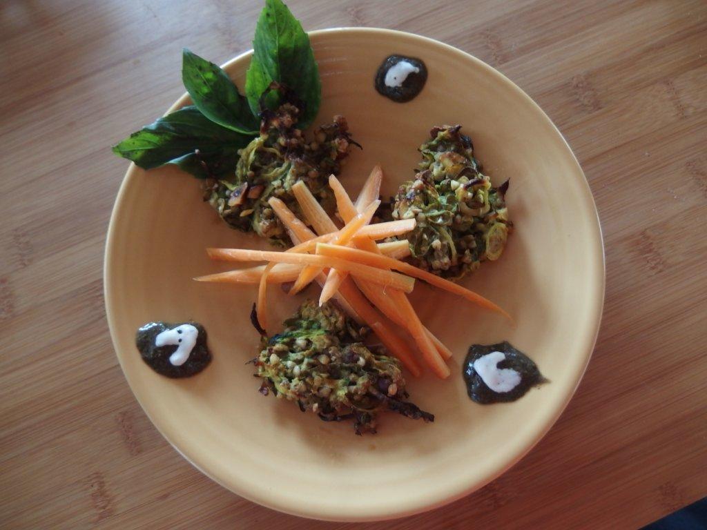 Sauce miso et sésame avec galettes végétales