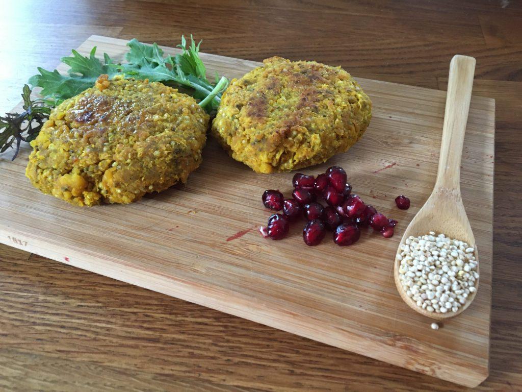 Burger vegetarien au quinoa et aux pois chiche