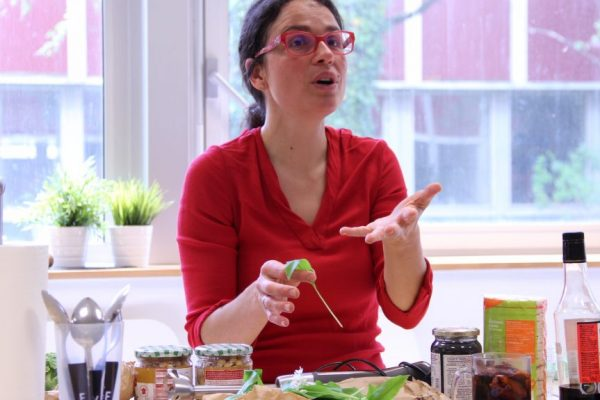 Cours de cuisine Bio végé à Uriage Grenoble pour particulier ou CE ou groupes avec Isabelle Schillig Coach culinaire