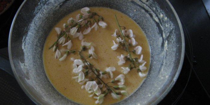 Blinis à la fleurs d'acacia